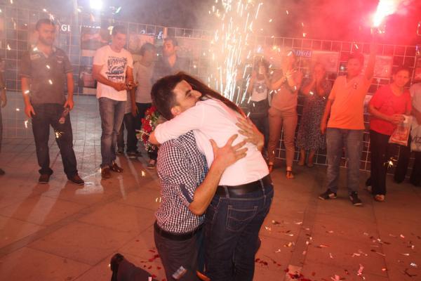 Çorlu Atatürk Meydanı'nda Evlenme Teklifi